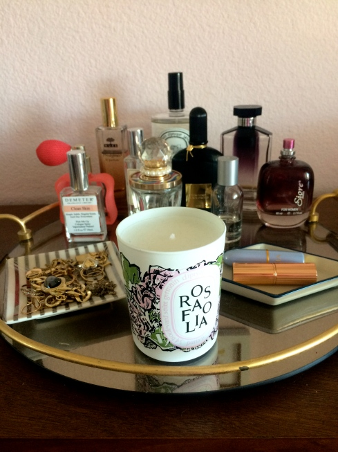 bedroom makeover, bedroom redo, glass tray details
